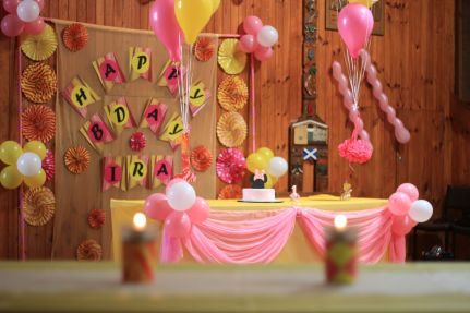 Pink_Yellow_White_theme_birthday_party_decoration_07