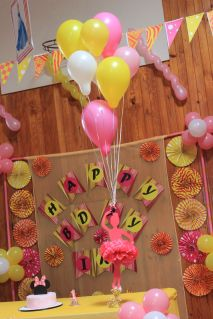 Pink_Yellow_White_theme_birthday_party_decoration_25