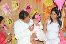 Pink_Yellow_White_theme_birthday_party_decoration_31