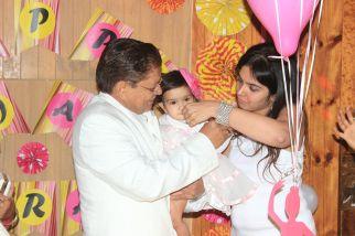 Pink_Yellow_White_theme_birthday_party_decoration_33