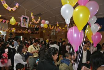 Pink_Yellow_White_theme_birthday_party_decoration_37